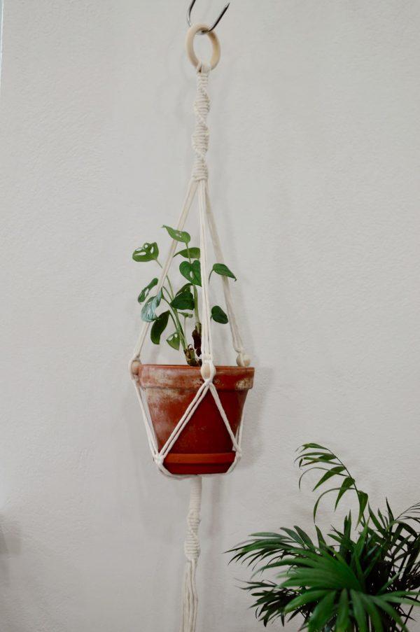 Macramé záves na kvetináč 83 cm Lenka